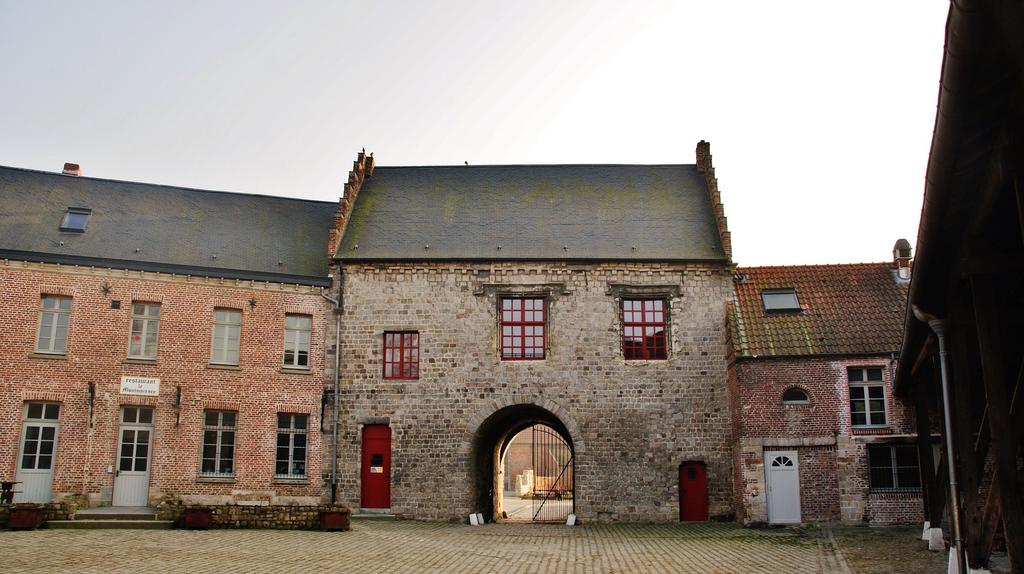 Castle-farm, French Heritage monument to Montigny en ostrevent.