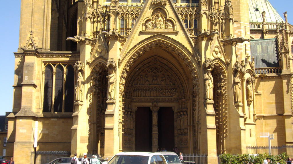 St. Stephan's Cathedral, French Heritage monument to Metz.