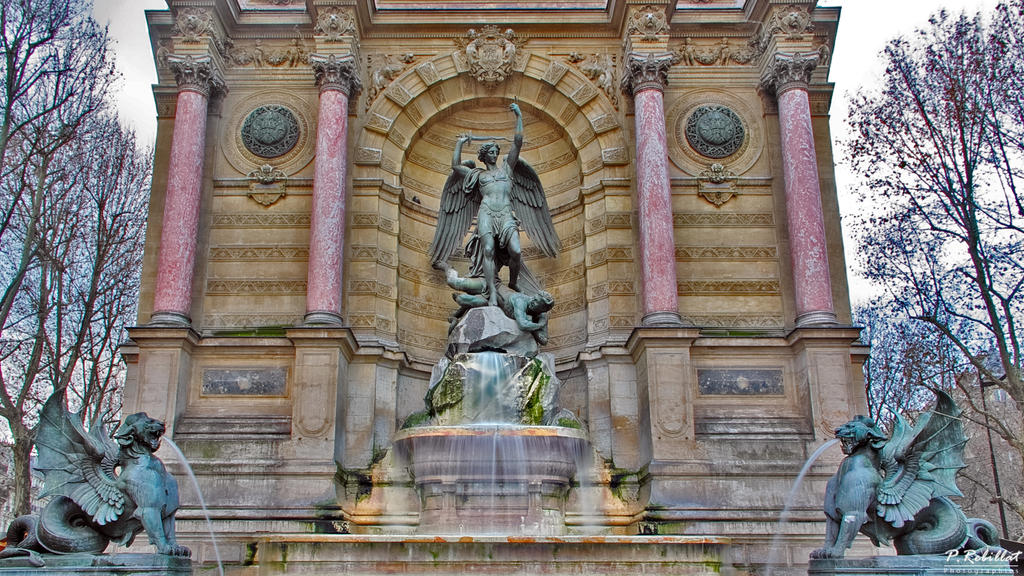 Fontaine Saint-Michel à Paris 6eme arrondissement.