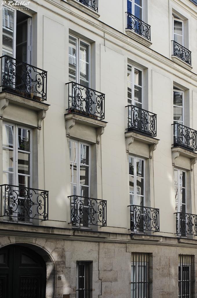 H tel charles testre paris 6eme arrondissement paris for Agence immobiliere 6eme arrondissement paris