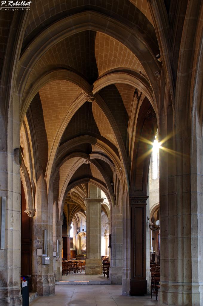 Eglise Saint-Médard à Paris 5eme arrondissement.